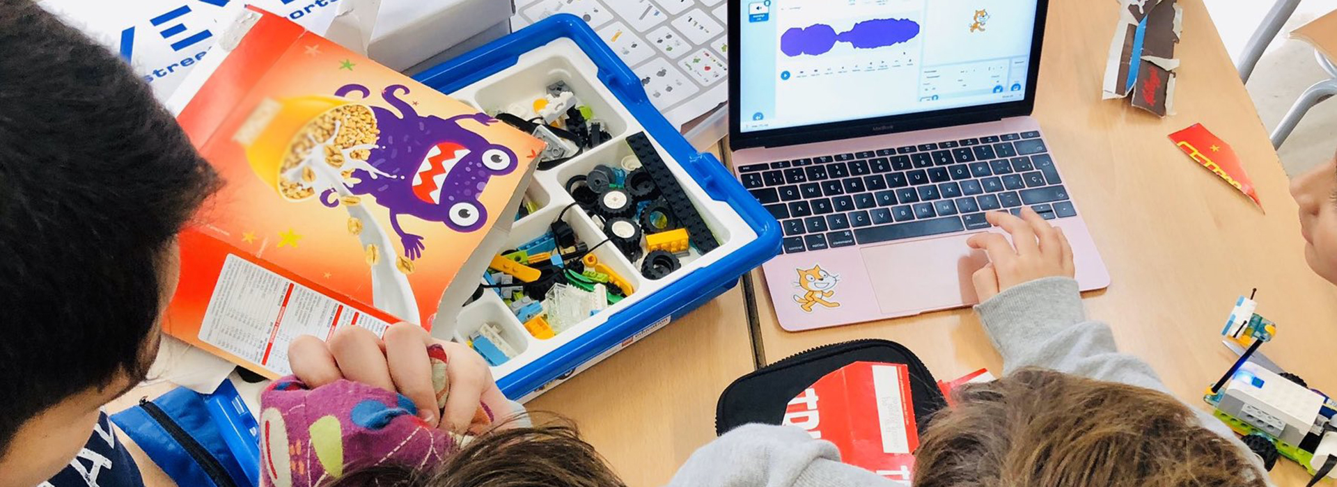 Blended Montessori-Creative Technologies approach for successful inclusion in Multicultural Schools